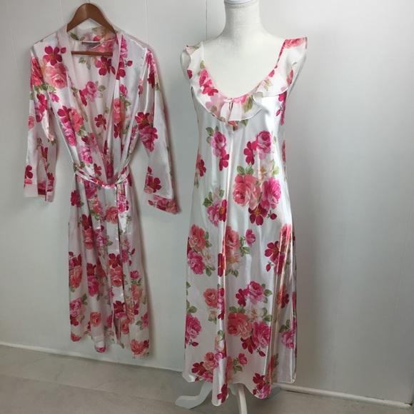 e1e0ff6e58 Morgan Taylor Intimates Robe Nightgown Rose Sz M. M 5bd799b25c445226965cca23
